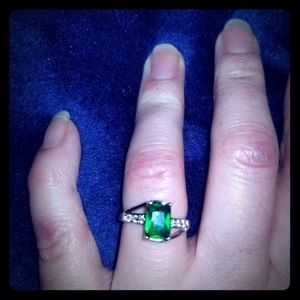 Lab created emerald and diamond  ring sz 7